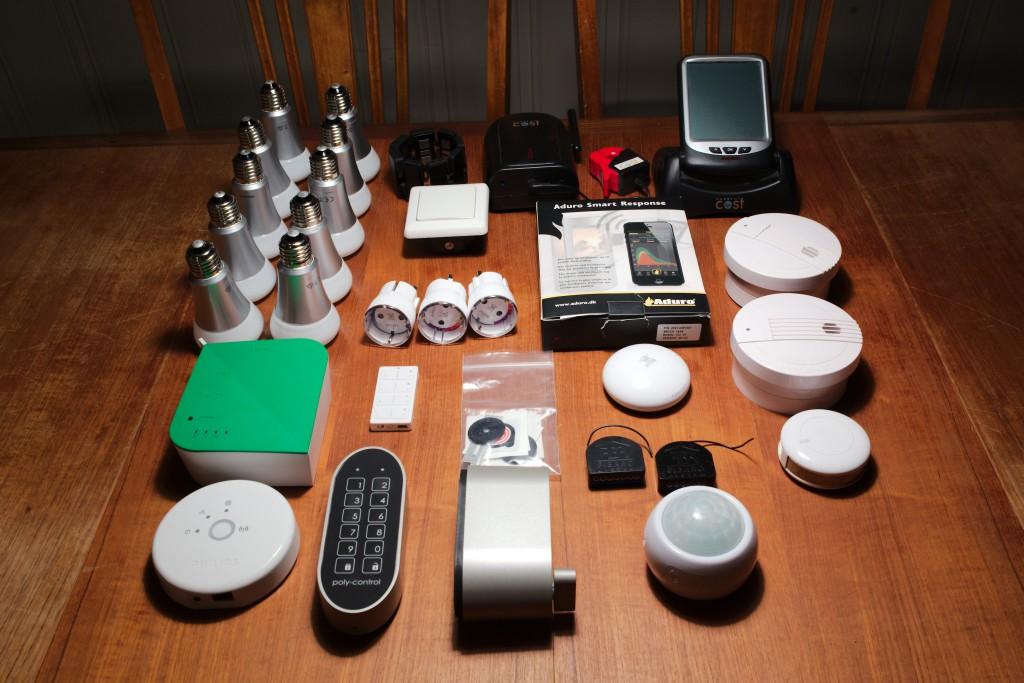 Smarthus equipment z-wave zigbee